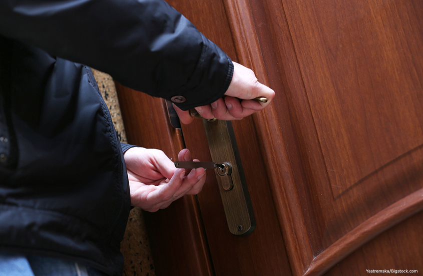 12 Things Homeowners Do During Holidays that Impact Their Residential Security